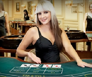 Play Live Baccarat | Up to £400 Bonus | Casino.com UK
